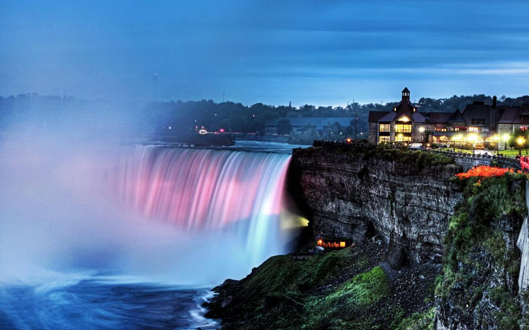 Niagara Falls lit up on a peaceful evening