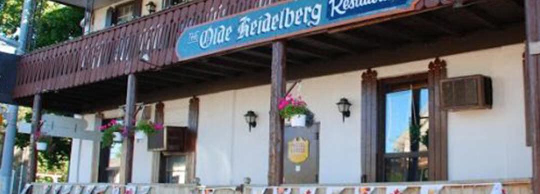 Façade avant du restaurant Olde Heidelberg sur 2 niveaux