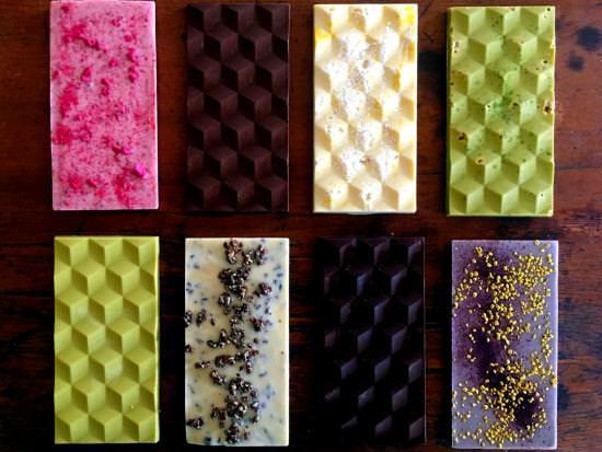 Un assortiment de chocolat artisanal coloré