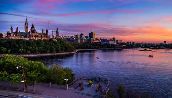 The river surrounding the Ottawa city landscape